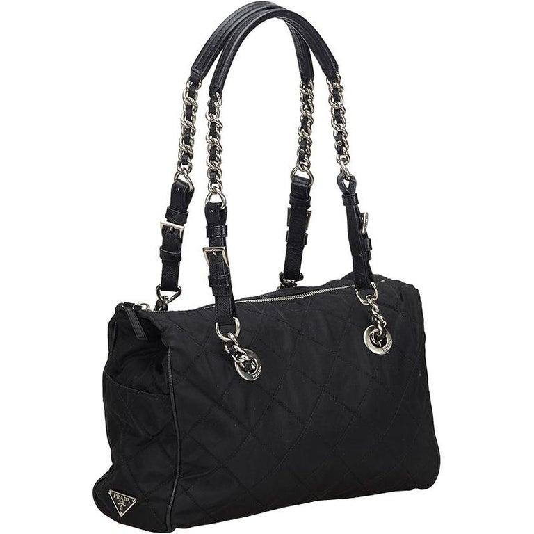 Prada Black Nylon Chain Tote Bag In Fair Condition For Sale In Dubai, Al Qouz 2