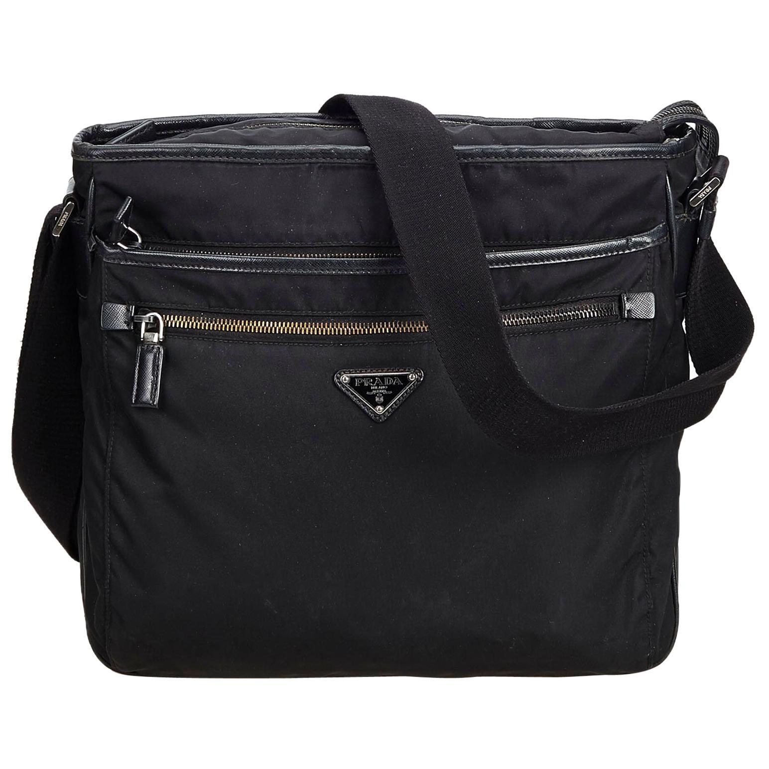 70aa54210572 Vintage Prada Crossbody Bags and Messenger Bags - 127 For Sale at 1stdibs
