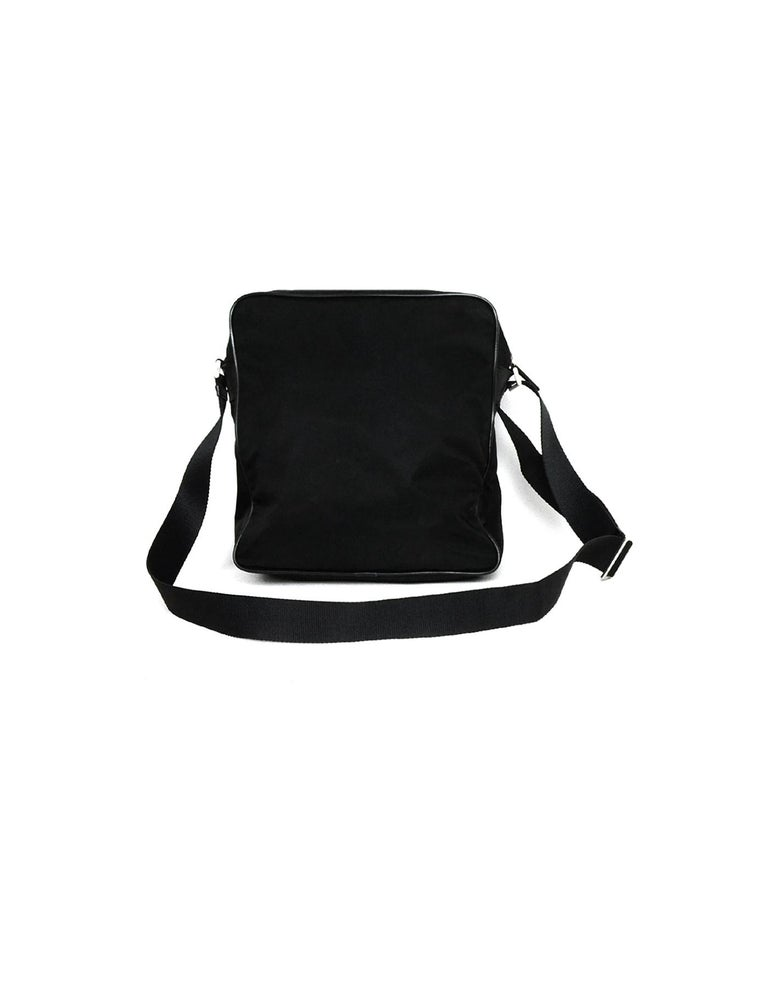 Prada Black Nylon Zip Top Messenger Bag In Excellent Condition For Sale In New York, NY
