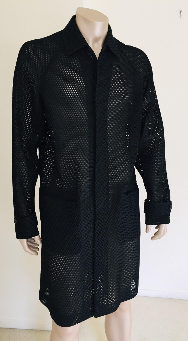 Prada Black Overcoat Made in Italy In Excellent Condition For Sale In North Hollywood, CA