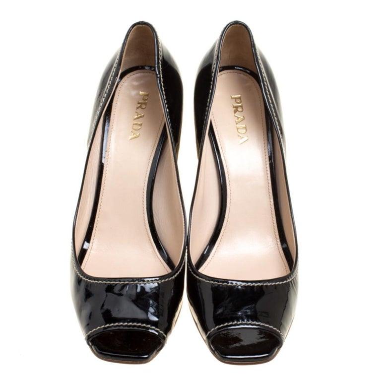 Prada Black Patent Leather Peep Toe Espadrille Wedge Pumps Size 39.5 In Good Condition For Sale In Dubai, Al Qouz 2