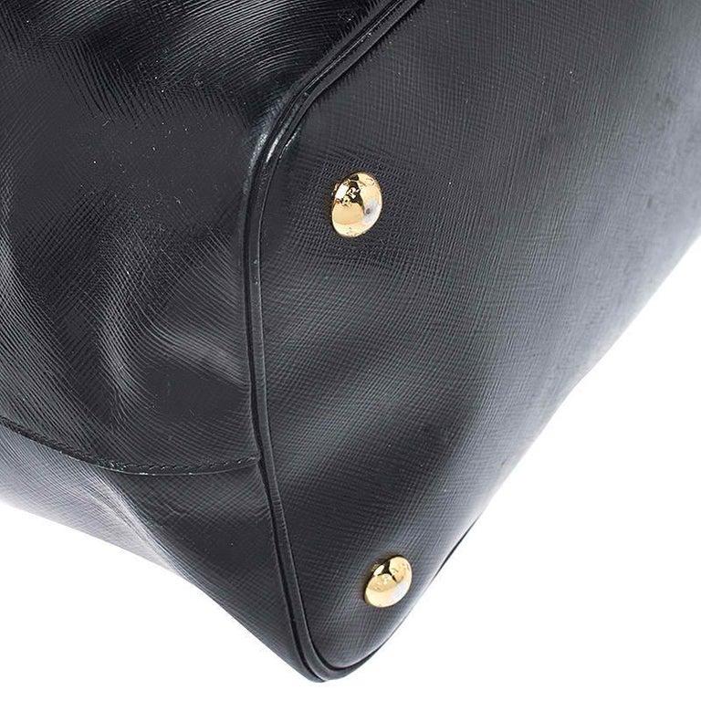 Women's Prada Black Patent Leather Vernic Shopper Tote For Sale