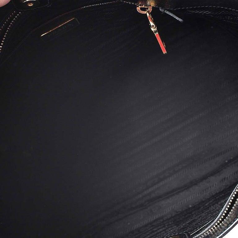 Prada Black Patent Leather Vernic Shopper Tote For Sale 4