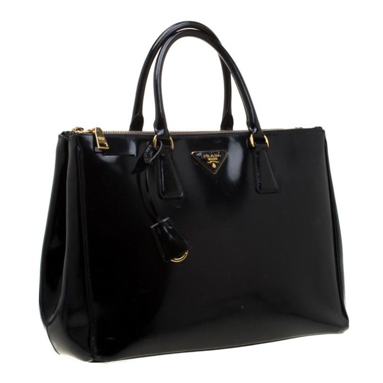 Women's Prada Black Patent Spazzolato Leather Large Double Zip Tote For Sale