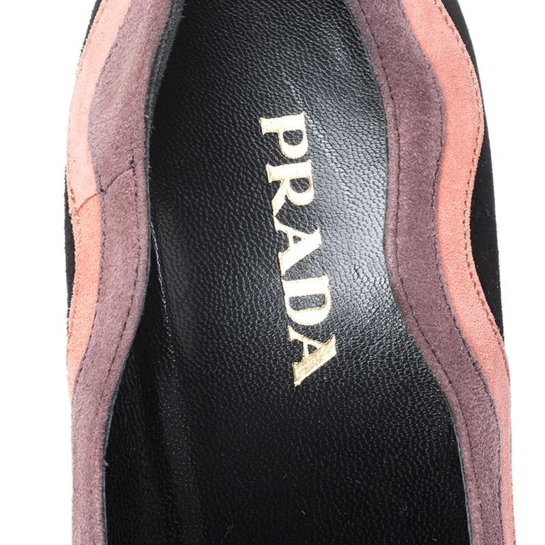 Prada Black/Pink Scalloped Trim Platform Pumps Size 39 For Sale 2