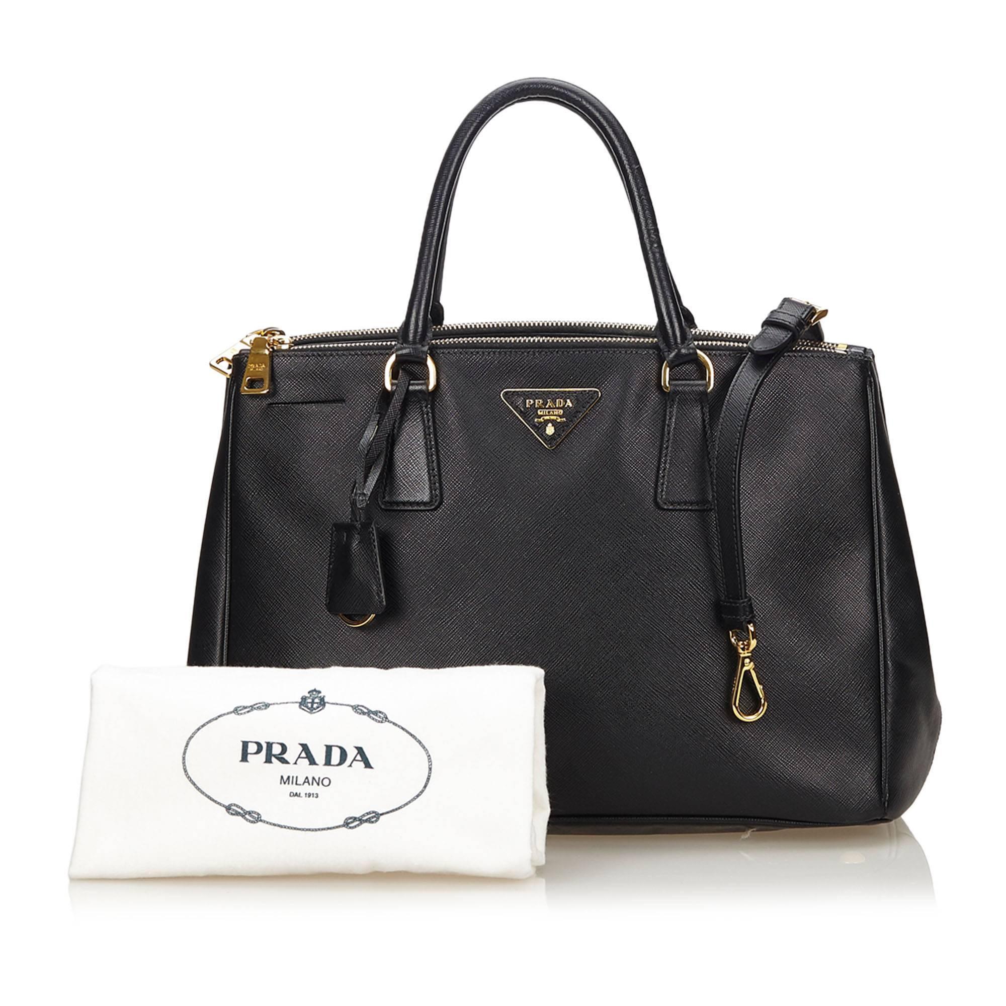 688b3b78d4d4 ... get prada black saffiano galleria bag at 1stdibs cf456 3d65a