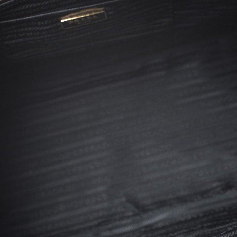 Prada Black Saffiano Leather Executive Double Zip Tote For Sale 6