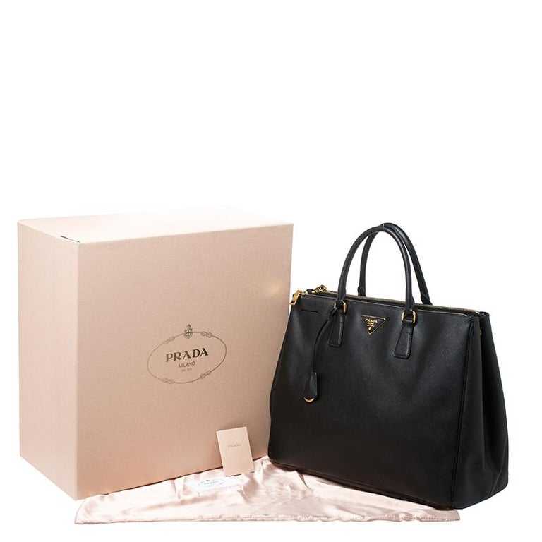 Prada Black Saffiano Leather Executive Double Zip Tote For Sale 7