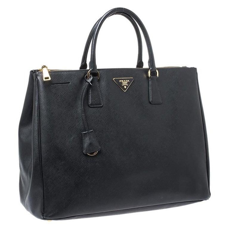 Women's Prada Black Saffiano Leather Executive Double Zip Tote For Sale