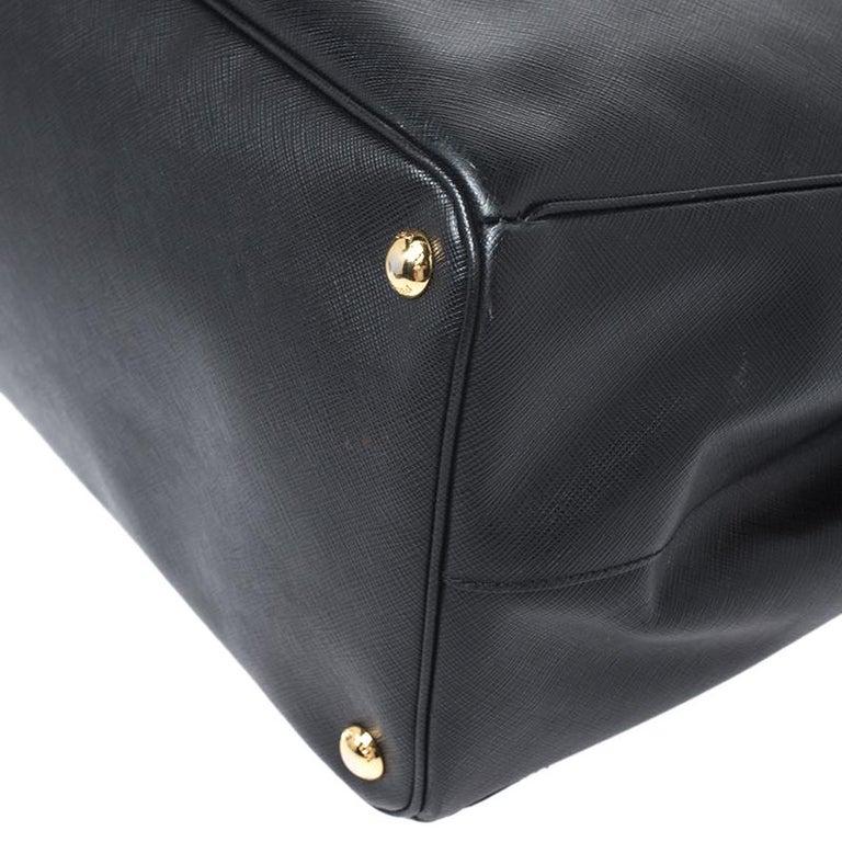Prada Black Saffiano Leather Executive Double Zip Tote For Sale 4