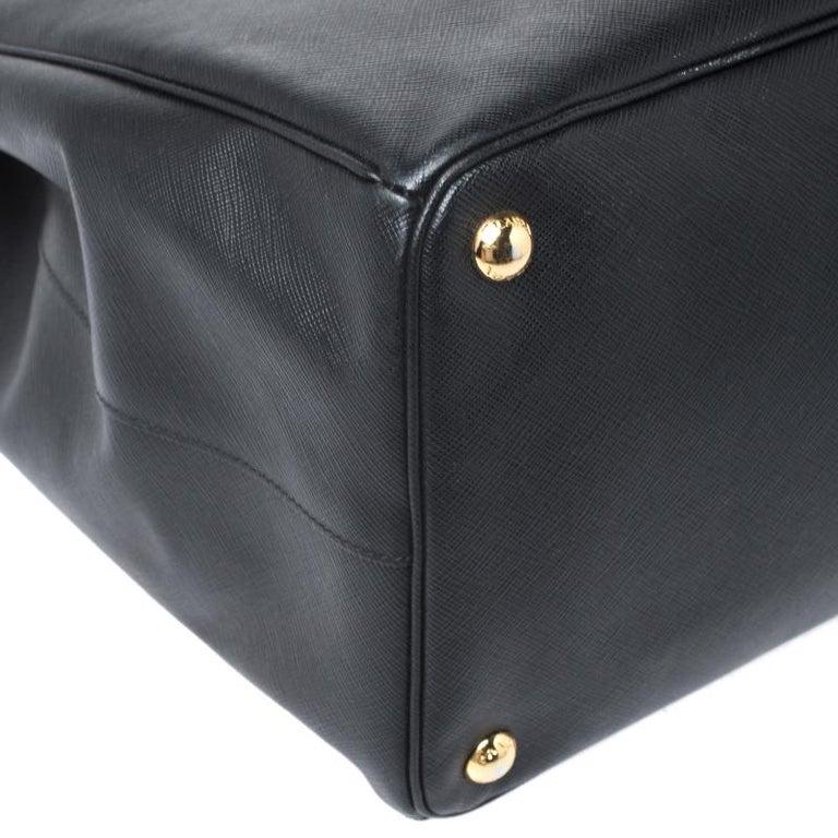 Prada Black Saffiano Leather Executive Double Zip Tote For Sale 5