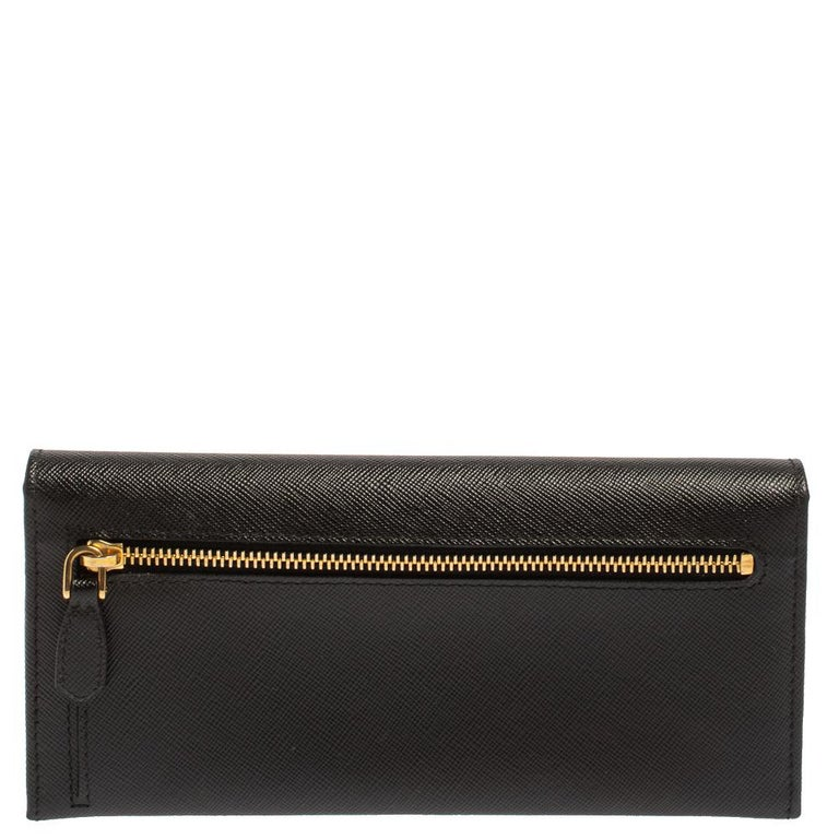 Prada Black Saffiano Leather Flap Continental Wallet In Good Condition For Sale In Dubai, Al Qouz 2