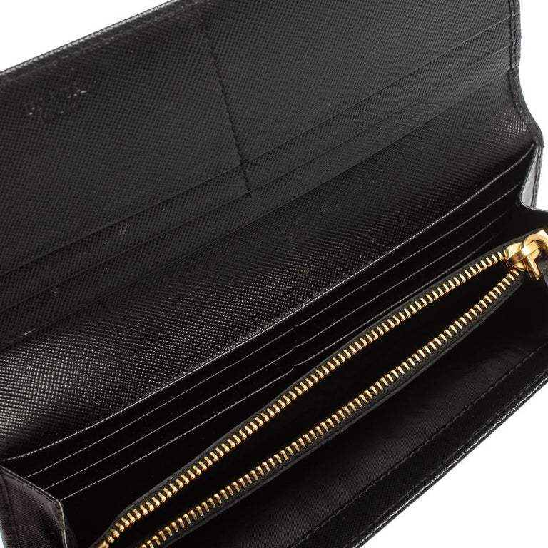 Prada Black Saffiano Leather Flap Continental Wallet For Sale 3