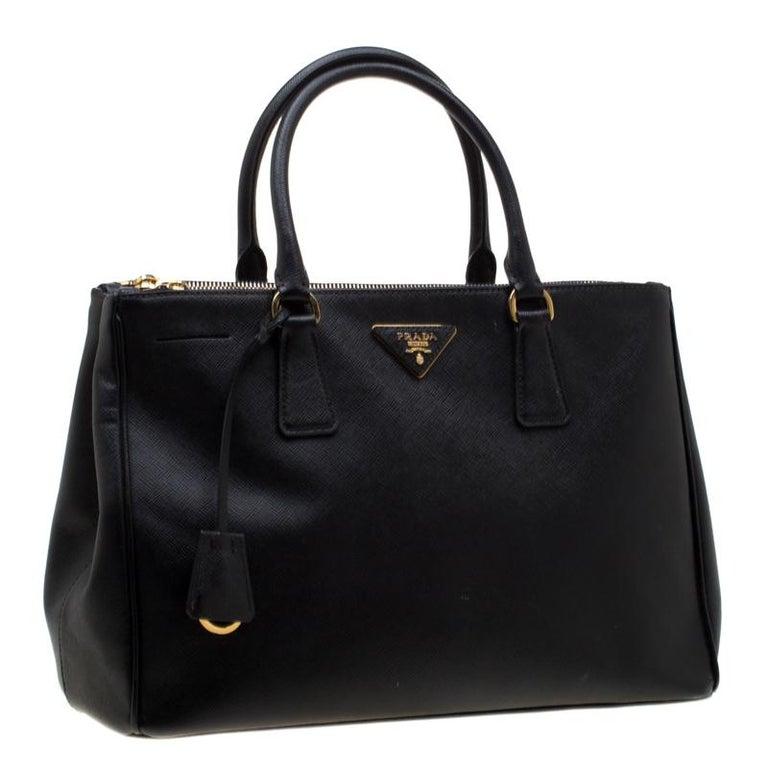 Women's Prada Black Saffiano Leather Medium Double Zip Tote For Sale