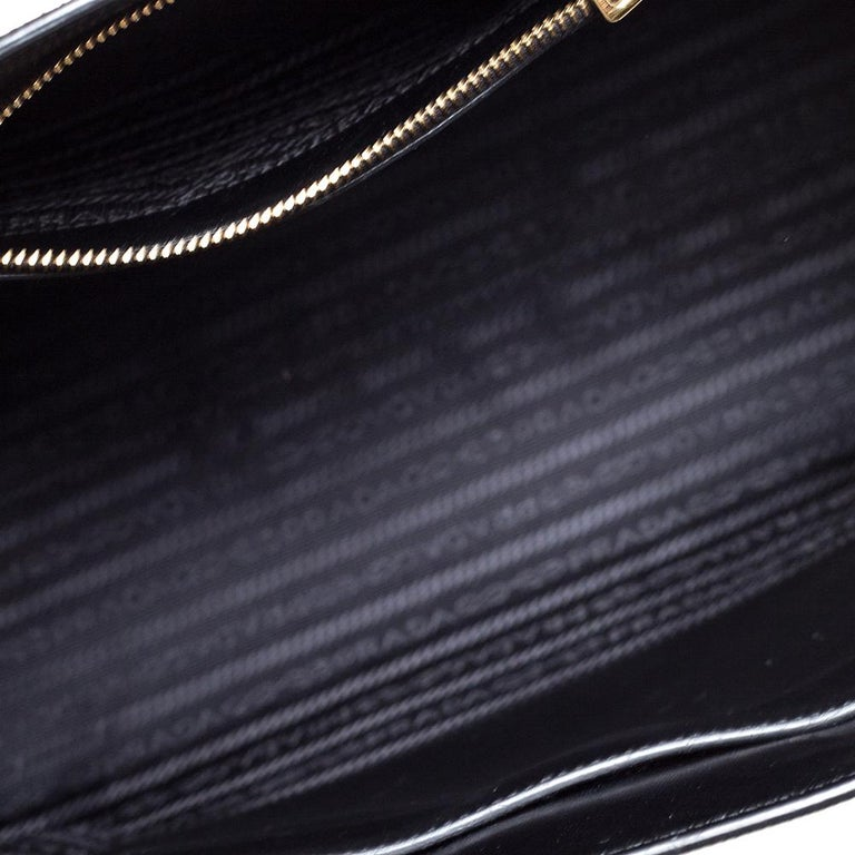 Prada Black Saffiano Leather Monochrome Tote For Sale 6