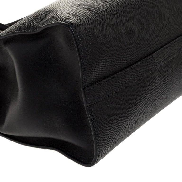 Prada Black Saffiano Leather Monochrome Tote For Sale 3