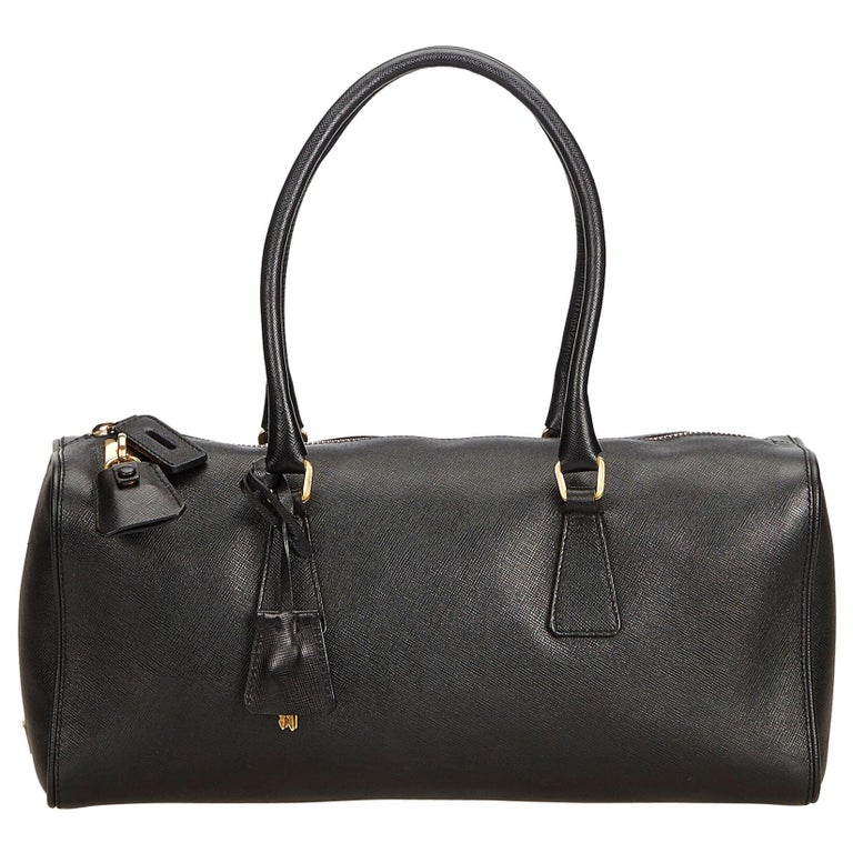 e1a2dde7f360 Prada Black Saffiano Leather Shoulder Bag For Sale at 1stdibs