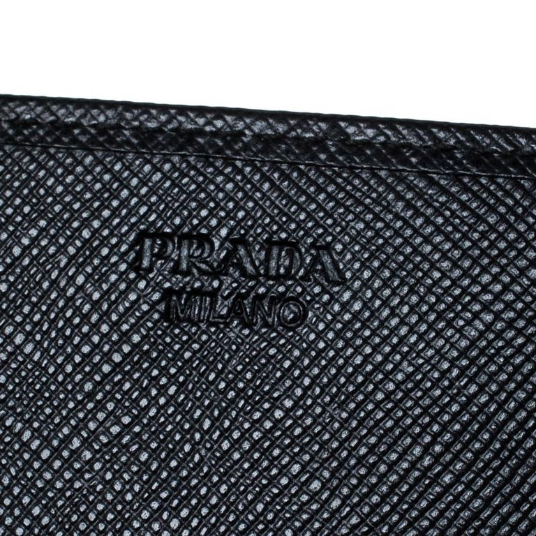 Women's Prada Black Saffiano Lux Leather Continental Wallet For Sale