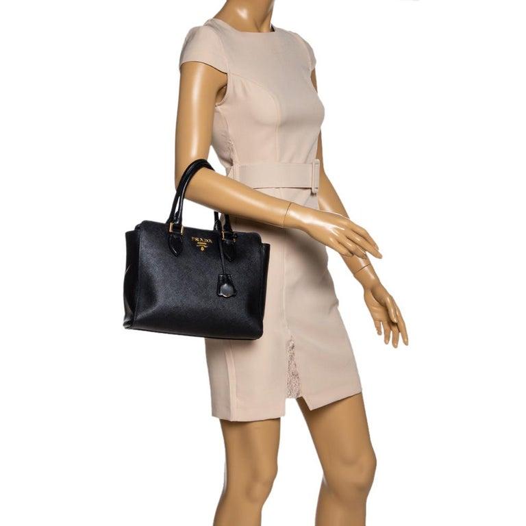 Prada Black Saffiano Lux Leather Galleria Tote In Good Condition For Sale In Dubai, Al Qouz 2