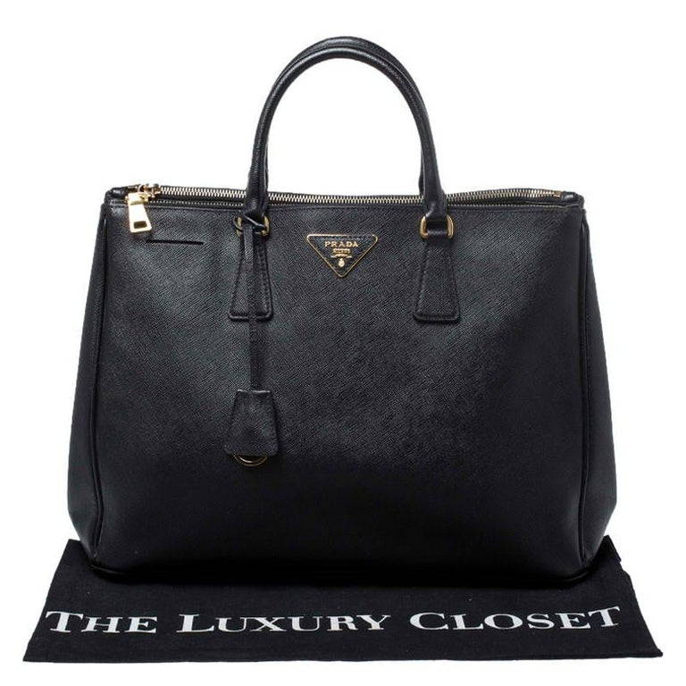 Prada Black Saffiano Lux Leather Large Double Zip Tote For Sale 7