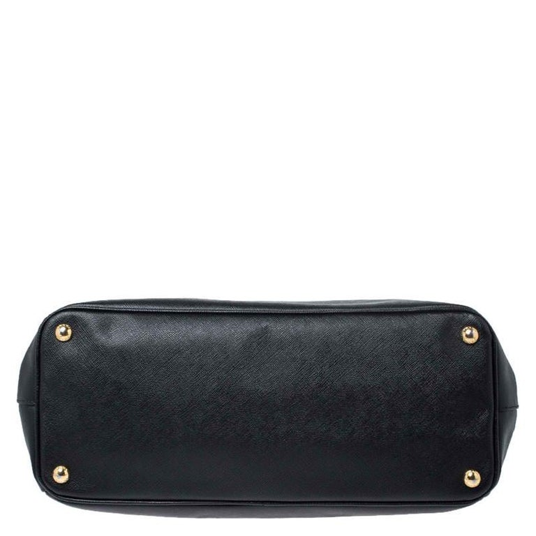 Prada Black Saffiano Lux Leather Large Double Zip Tote For Sale 1