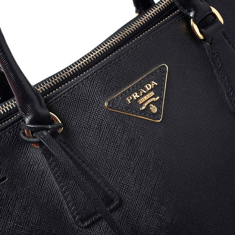 Prada Black Saffiano Lux Leather Large Double Zip Tote For Sale 2