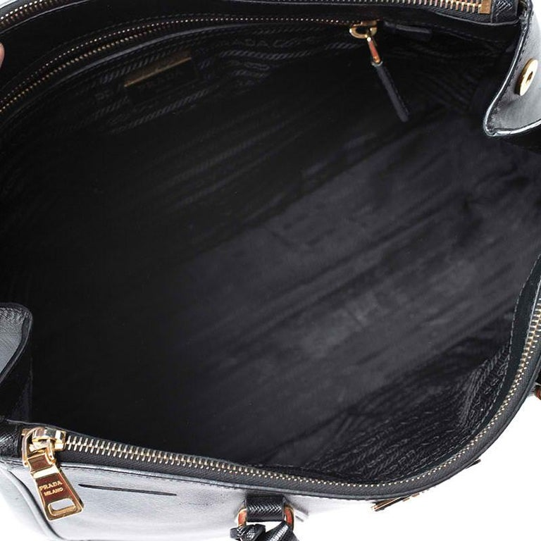 Prada Black Saffiano Lux Leather Large Double Zip Tote For Sale 3