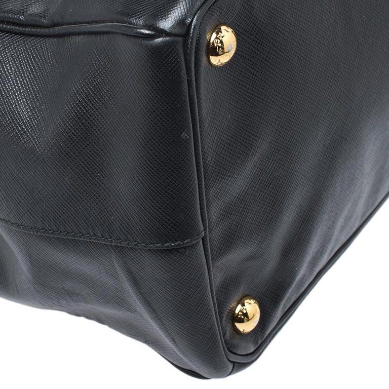 Prada Black Saffiano Lux Leather Large Double Zip Tote For Sale 4