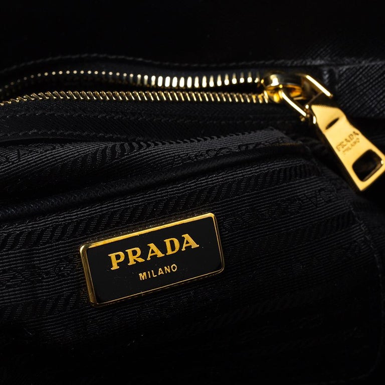 Prada Black Saffiano Lux Leather Large Promenade Bag For Sale 6