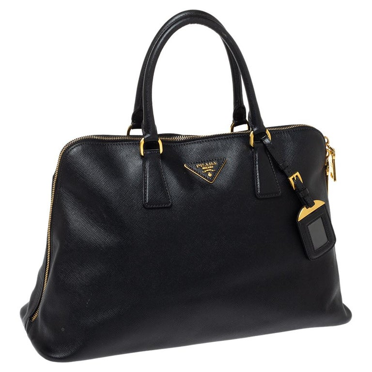 Prada Black Saffiano Lux Leather Large Promenade Bag In Good Condition For Sale In Dubai, Al Qouz 2