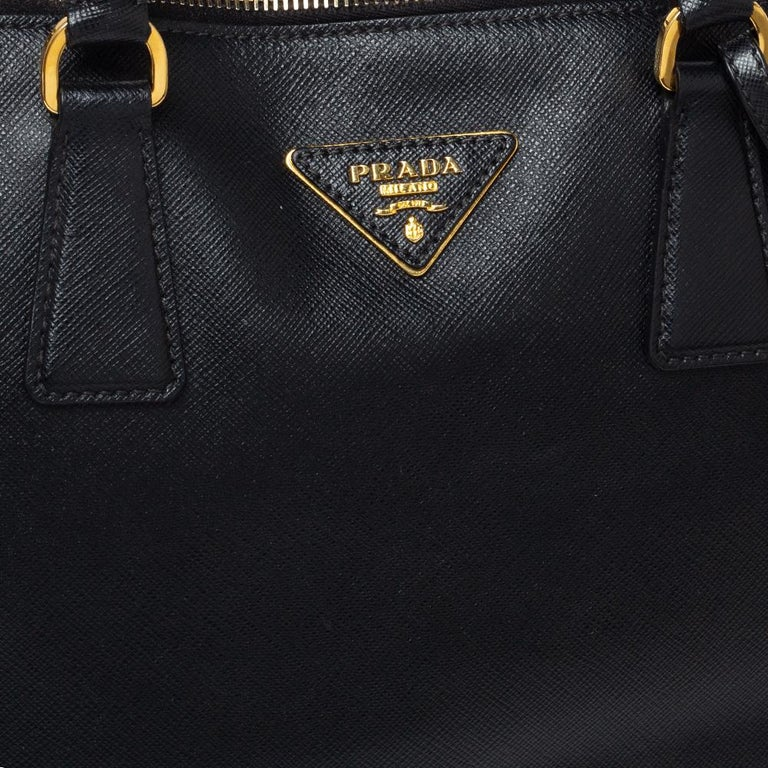 Women's Prada Black Saffiano Lux Leather Large Promenade Bag For Sale