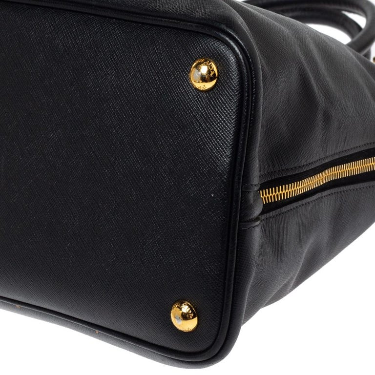 Prada Black Saffiano Lux Leather Large Promenade Bag For Sale 3
