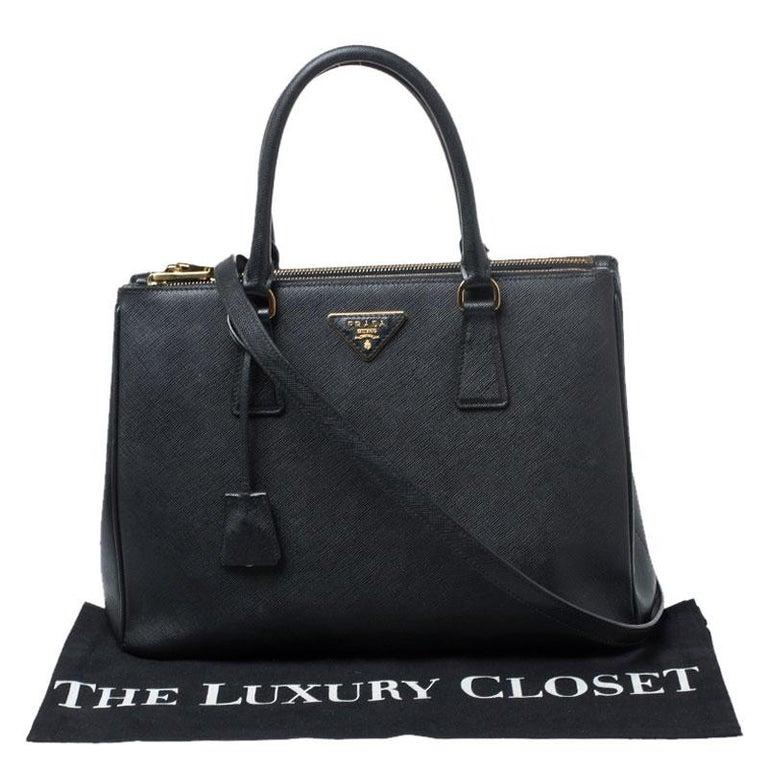 Prada Black Saffiano Lux Leather Medium Galleria Double Zip Tote For Sale 6