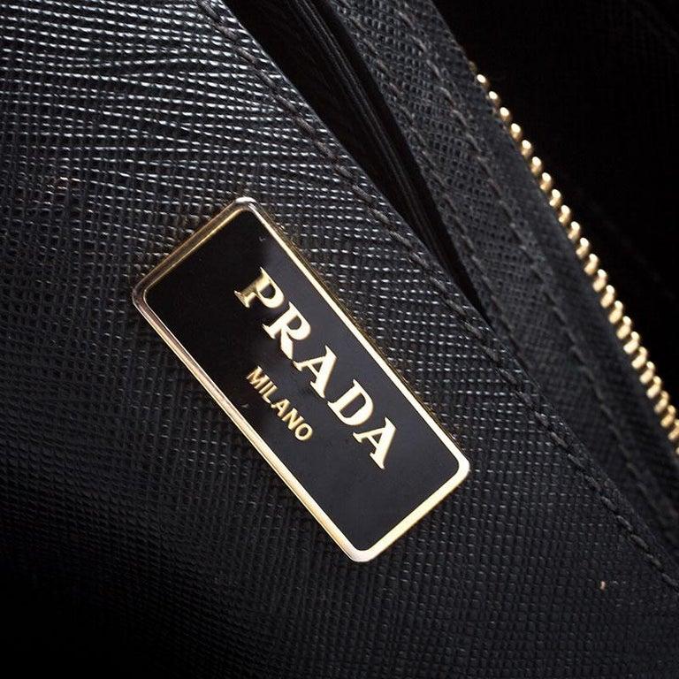 Prada Black Saffiano Lux Leather Medium Galleria Double Zip Tote For Sale 3