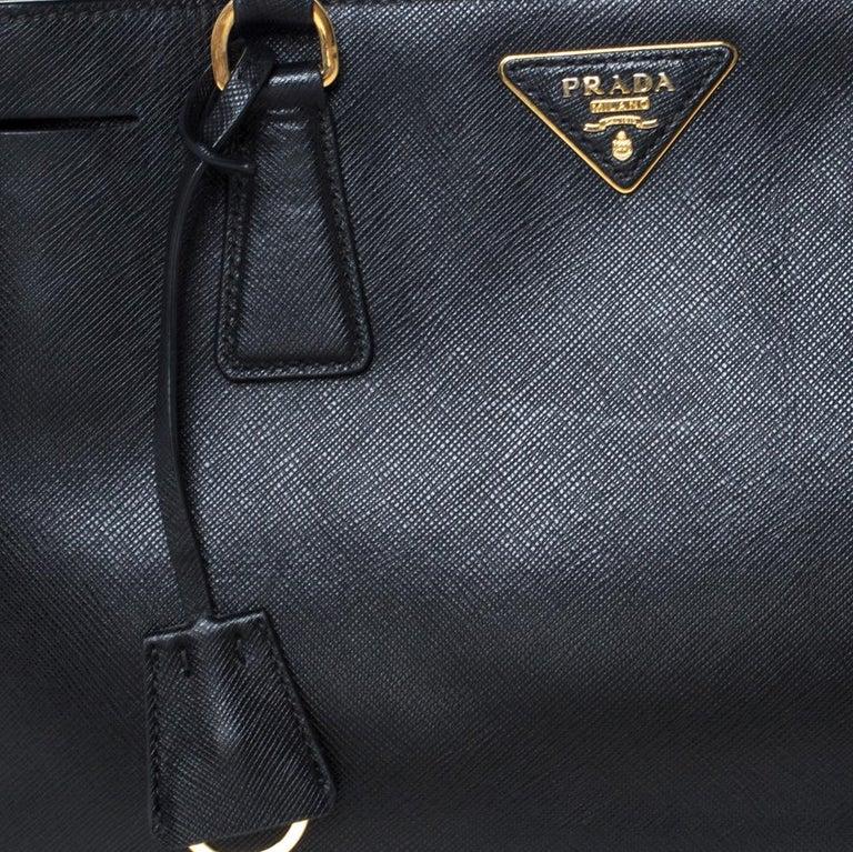 Prada Black Saffiano Lux Leather Medium Galleria Tote For Sale 6