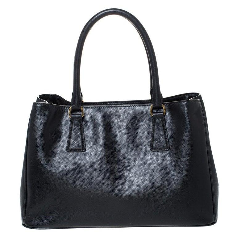 Women's Prada Black Saffiano Lux Leather Medium Galleria Tote For Sale