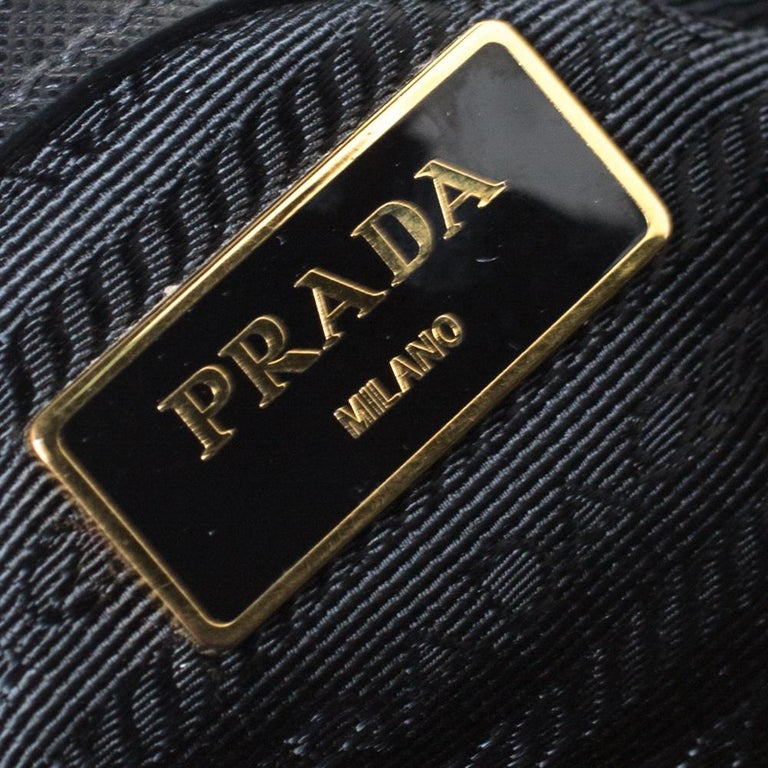 Prada Black Saffiano Lux Leather Medium Galleria Tote For Sale 1