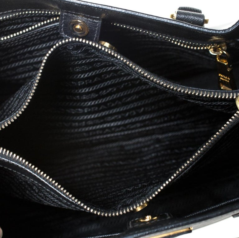 Prada Black Saffiano Lux Leather Medium Galleria Tote For Sale 2