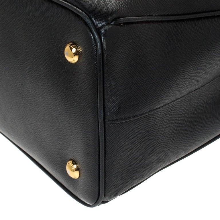 Prada Black Saffiano Lux Leather Medium Galleria Tote For Sale 3
