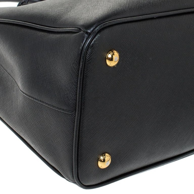 Prada Black Saffiano Lux Leather Medium Galleria Tote For Sale 4