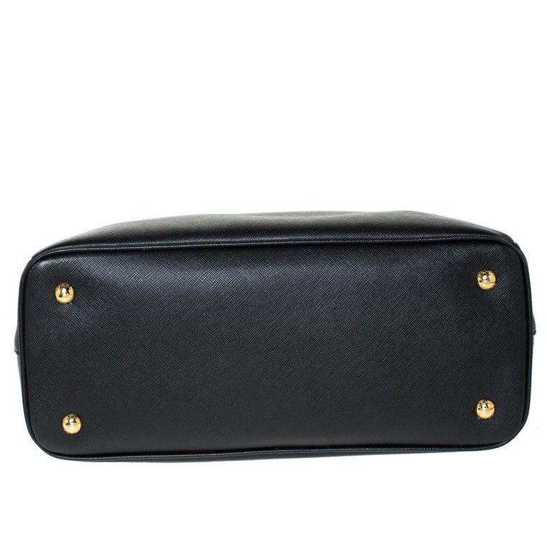 Prada Black Saffiano Lux Leather Medium Galleria Tote For Sale 5