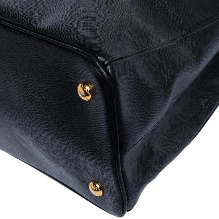 Prada Black Saffiano Lux Leather Medium Tote For Sale 6