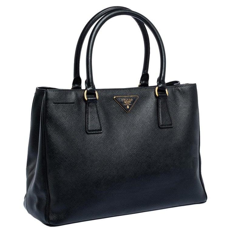 Women's Prada Black Saffiano Lux Leather Medium Tote For Sale