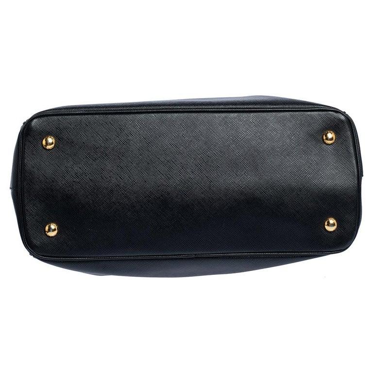 Prada Black Saffiano Lux Leather Medium Tote For Sale 1