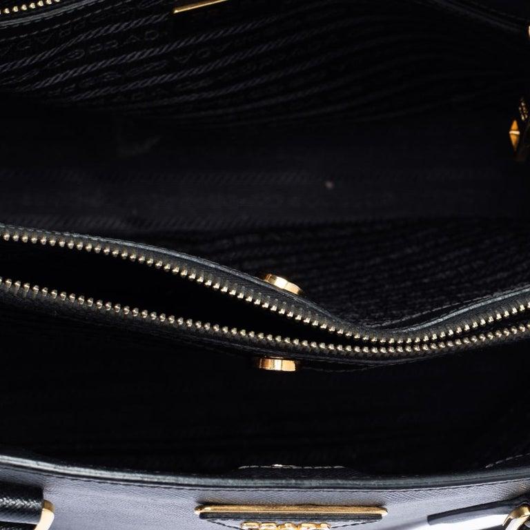 Prada Black Saffiano Lux Leather Medium Tote For Sale 3