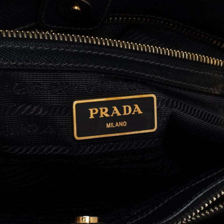 Prada Black Saffiano Lux Leather Medium Tote For Sale 4
