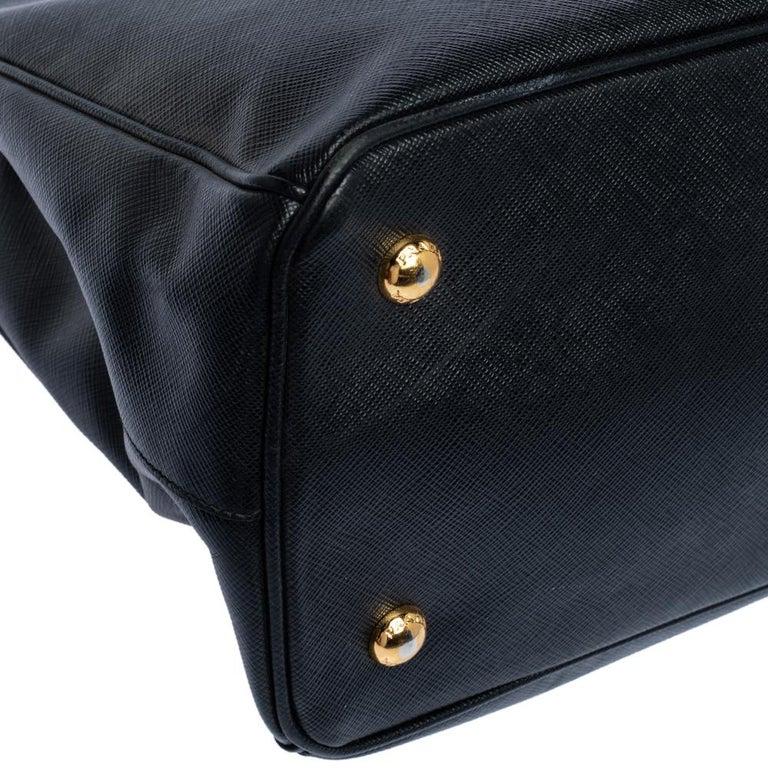 Prada Black Saffiano Lux Leather Medium Tote For Sale 5