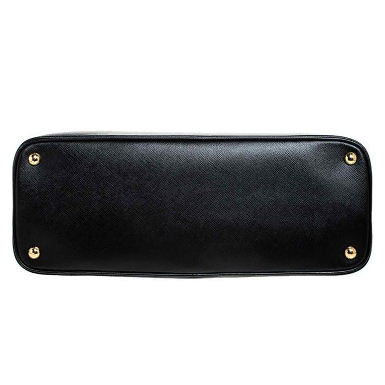 Prada Black Saffiano Lux Leather Promenade Bag For Sale 6