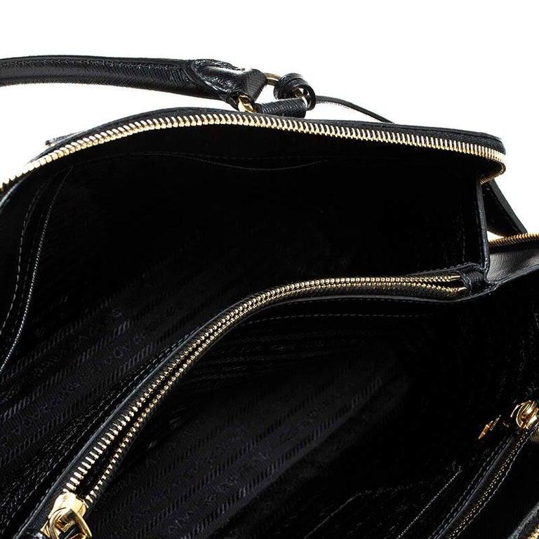 Prada Black Saffiano Lux Leather Promenade Bag For Sale 1