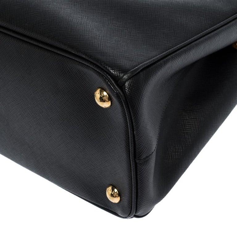 Prada Black Saffiano Lux Leather Small Double Zip Tote For Sale 3